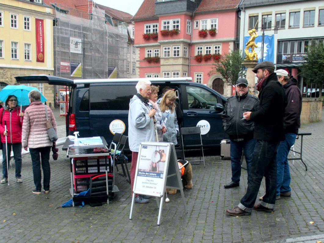 Informationsstand und Beratungsmobil des BSVT, auf dem Marktplatz in Eisenach